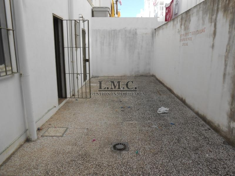 Lmc inmobiliaria local en zona ronda norte de isla - Inmobiliaria isla cristina ...
