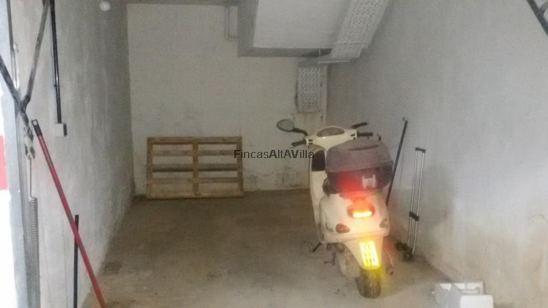 Compra segunda mano garaje en zona centro de ayamonte for Plaza de garaje huelva