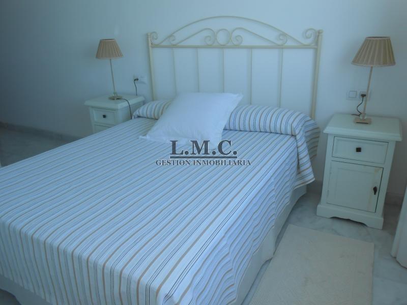 LMC INMOBILIARIA Apartamento FARO (Puerto Deportivo) Isla Cristina HUELVA