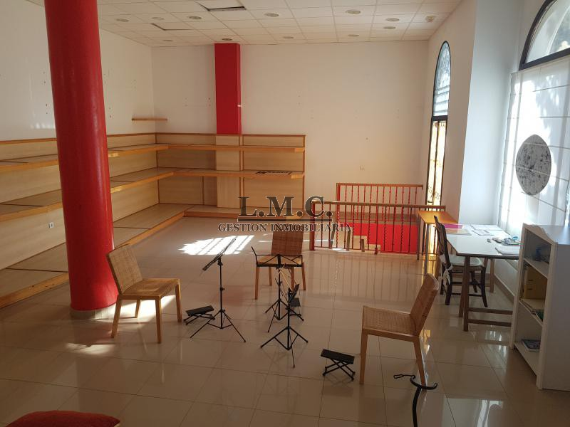 LMC INMOBILIARIA Local centro Isla Cristina HUELVA